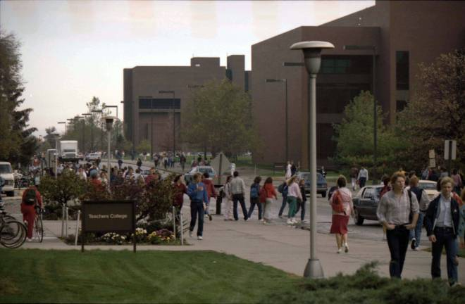 ball_state_university_students_walk_on_campus_during_the_fall