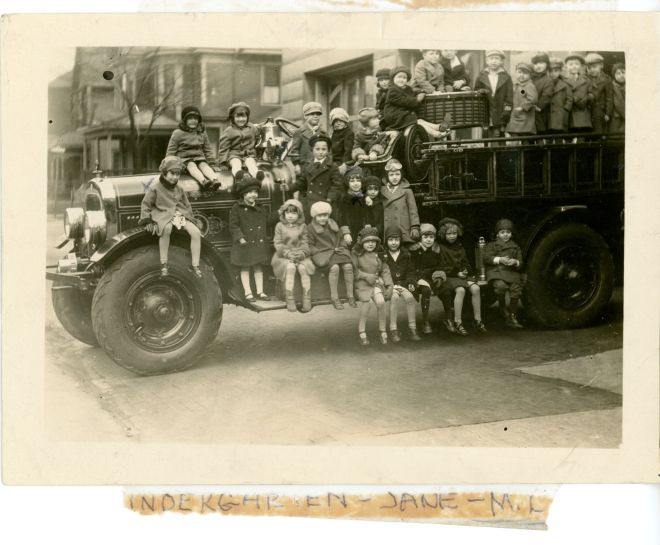 mary-neff-emerson-kindergarten-trip-to-firehouse-1
