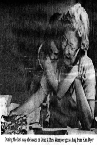 mrs-wampler-hug-last-day-muncie-star-1981-1