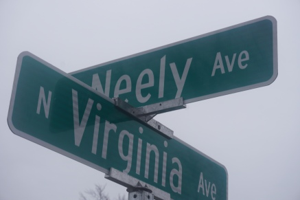 Neely and Virginia street signs - 2016